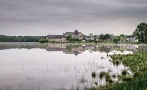 Abbaye de Paimpont - crédit photo : Richard Sayer