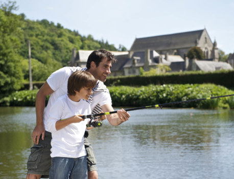 Pere et fils peche ensemble, Bretagne droits diaphane_ell-prod.