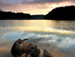Lac de la fée Viviane, Brocéliande, Bretagne, photo Yvon Boëlle