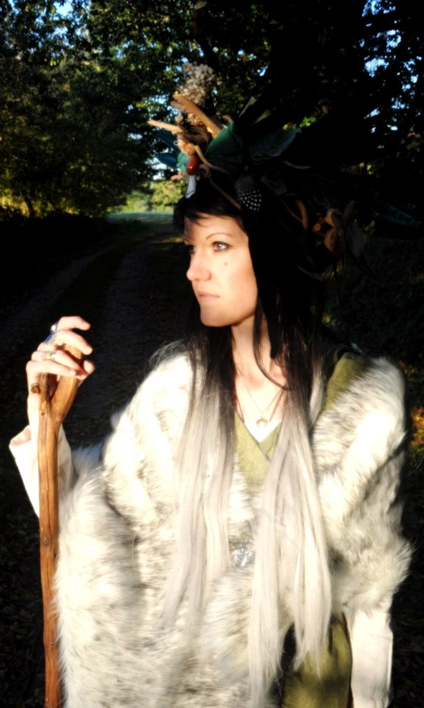 Caroline Duban en costume de shamane
