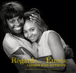 regards emois couverture