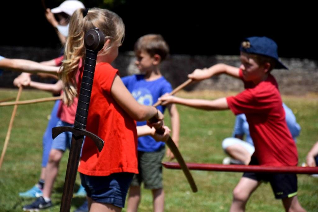 atelier combat. groupes enfants